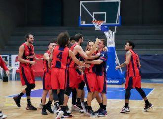 Serie B, una squadra sola al comando: la sua canotta è rossoblu
