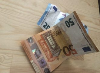 Conti in rosso di 100 euro, cosa succede? Facciamo chiarezza