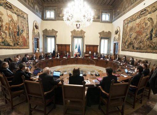 Consiglio dei ministri: Covid, prorogato lo stop agli spostamenti tra regioni