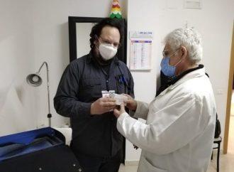 """Taranto, consegnato il  """"Moderna"""" ai medici di base. Al via le vaccinazioni domiciliari"""