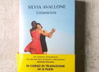 Silvia Avallone ospite venerdì 7 maggio di #LibroConNesso (diretta Fb)