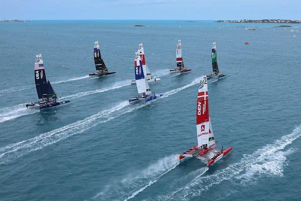 Italy Sail Grand Prix, catamarani in gara sul Mar Grande a Taranto