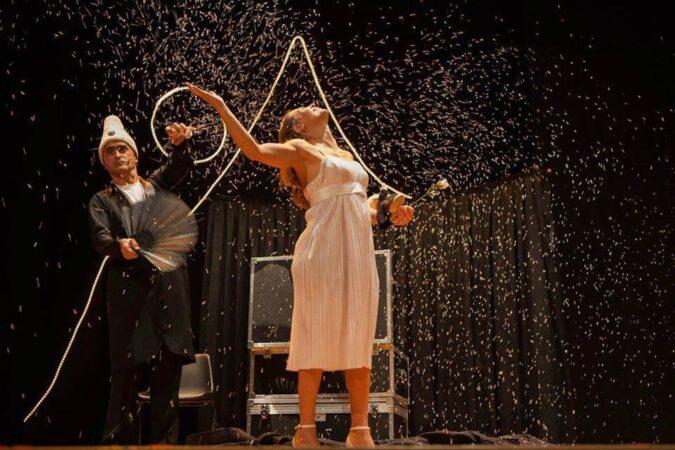 Taranto, il Crest porta il teatro in cortile