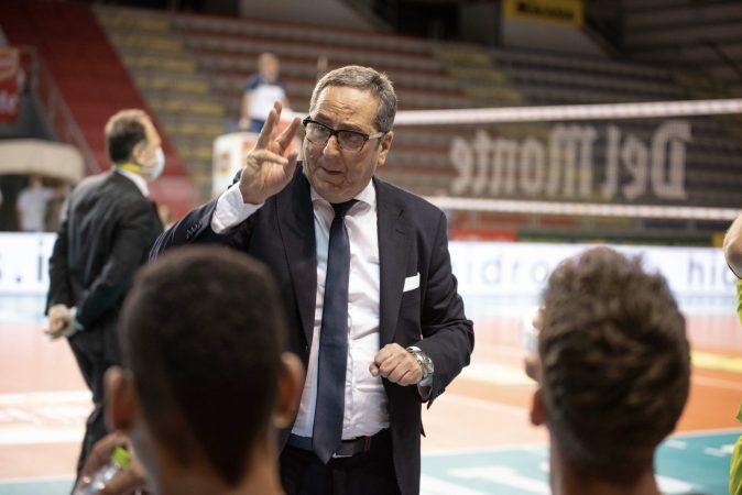 Prisma Taranto con Di Pinto in Superlega: coach confermato