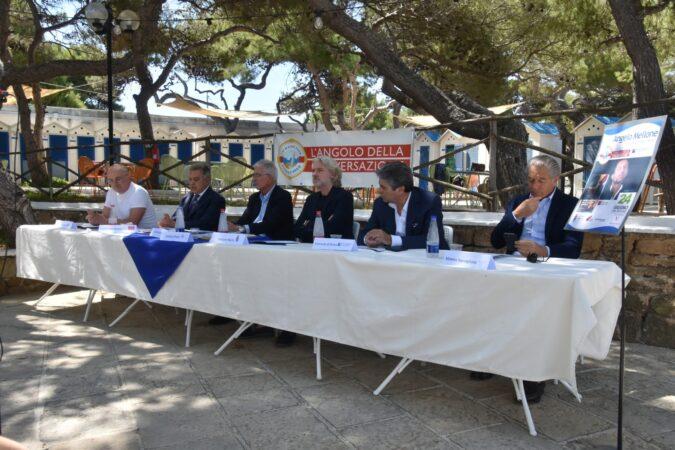 L'Angolo della Conversazione, un'estate di libri e musica allo Yachting Club di Taranto