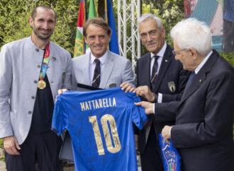 """Onorificenze per gli Azzurri, Mattarella premia """"valori sportivi e spirito nazionale"""""""